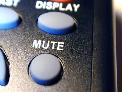 remote_mute_button_fig1.jpg