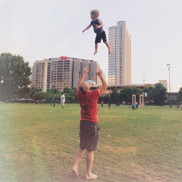 Joe Hendricks Photography throwing son in the air