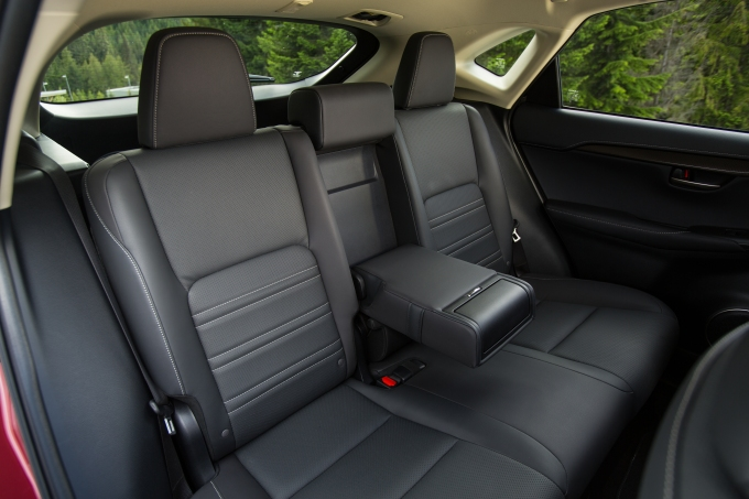 2015 Lexus NX 300h: 10 Professional Photos seats folding down
