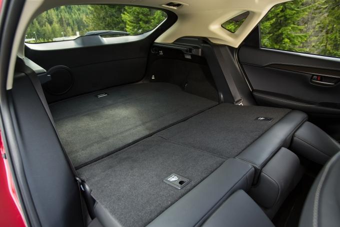 2015 Lexus NX 300h: 10 Professional Photos seats folding down