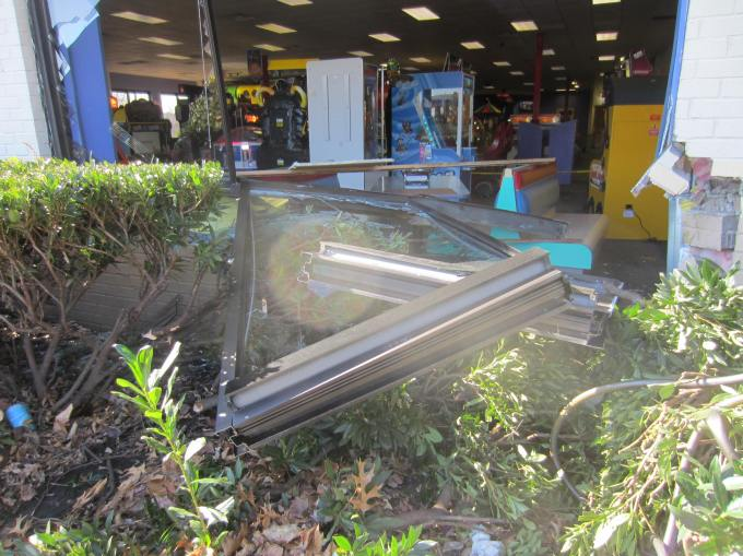 Photos Of The Cool Springs Chuck E. Cheese After The Car Crashed Through It Today