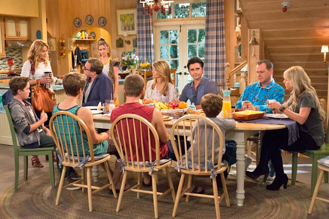 "Fuller House Recaps- S1: E1, ""Our Very First Show, Again"""